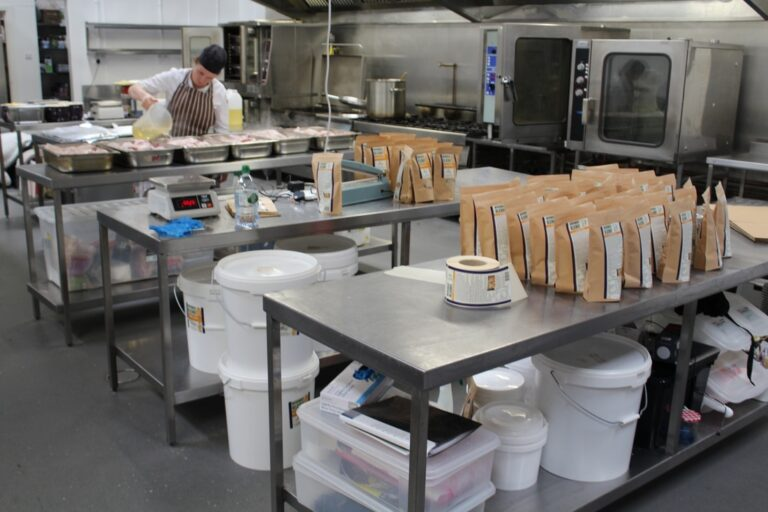 Packaging KITCHEN FOR RENT